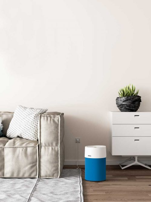 Ideal Luftreiniger AP40 Pro Wohnzimmer mit Textilbezug dunkelblau