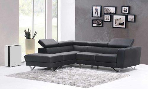 Ideal Luftreiniger AP60 Pro am Sofa im Wohnzimmer