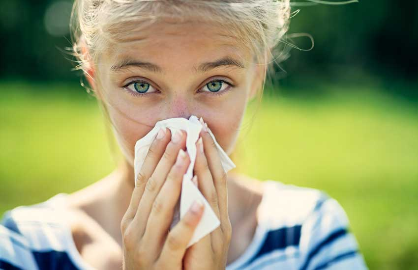 Auch jungen Menschen helfen Luftreiniger gegen Pollen