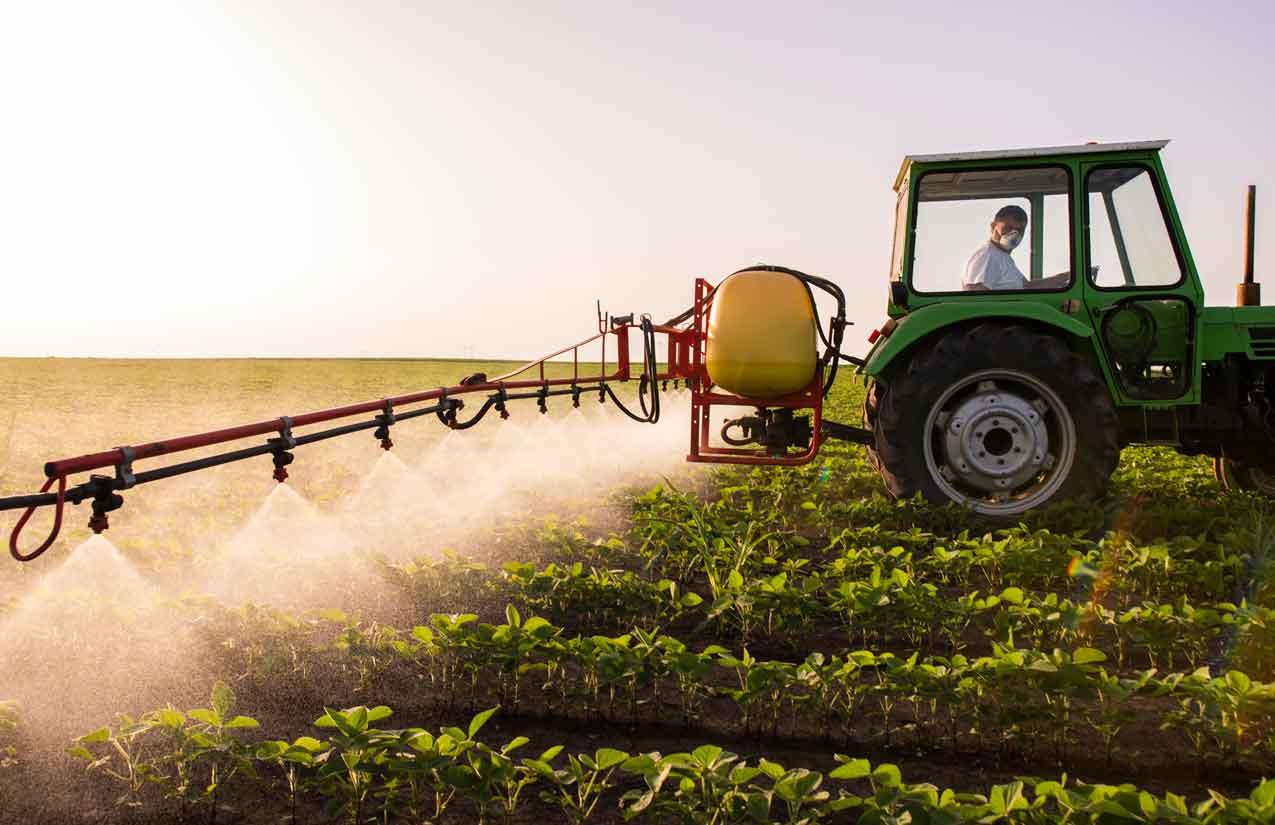 Landwirtschaftliche Dünge- und Spritzmittel